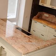Столешница из натурального камня для фасада кухни фото