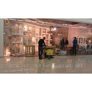 Механическая чистка линолеума и нанесение защитного покрытия в Киеве от 5 грн/кв.м. фото