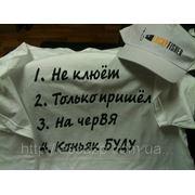 Печать приколов на футболках и кепках