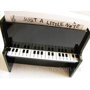 Подставка для бумаги в виде пианино фото