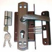 Металлические и скобяные изделия фото