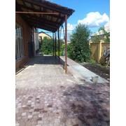 Тротуарная плитка необычного бордового цвета