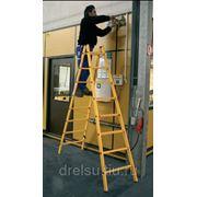 Лестницы-стремянки алюминиевые профессиональные Krause Стремянка с 2x4 перекладинами (стекловолокно) 817402 фото