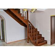 Деревянная лестница из массива ольхи фото