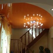 Натяжной цветной лаковый потолок фото