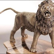 Лев, настольный сувенир фото