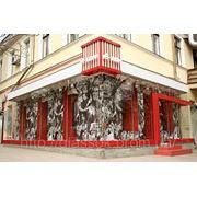 Стеклянный фасад магазина