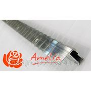 Багет алюминиевый потолочный с монтажными отверстиями надпиленый фото