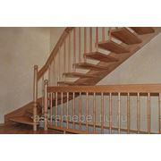 Лестницы деревянные на больцах
