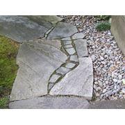 Камень природный песчаник красно - коричневый фото