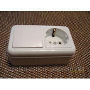 Блок наружный одинарный выключатель и розетка с заземлением фото