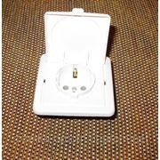 Розетка внутренняя одинарная герметичная с заземлением фото
