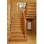 Лестницы деревянные в ассортименте фото