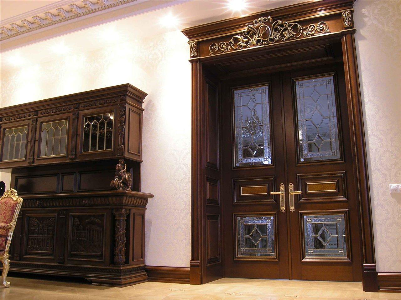 Купить двери из массива сосны в СПб