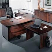 Офисная мебель Столы и стулья фото