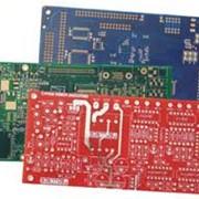 Установка аксиальных и радиальных выводных электронных компонентов на автоматической линии. фото