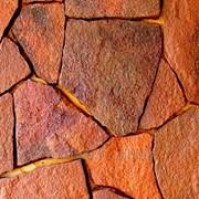 Камень природный песчаник красный фото