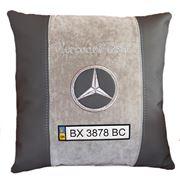 Вышивка подушки в авто