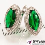 """Серьги родиум """"Зауженный большой зеленый граненный камень в оправе мелких камней"""" 324940(5)"""
