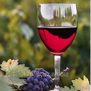 Виноматериал из красных сортов винограда фото