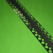 Уголок металлический перфорированный с сеткой фото