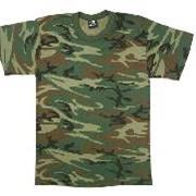 Камуфлированная футболка. фото