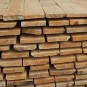 Брус деревянный строительный фото
