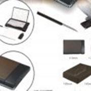 Компьютерный набор оптическая мышь/usb порт/usb диск в кожаном чехле 4gb черный фото