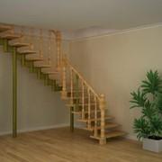 Лестница Г-образная модульная с деревянным ограждением фото