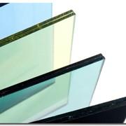 Изготовление триплекса, строительный триплекс, изделия из триплекса, тонированный триплекс, стекло, перегородки, реклама, витражи, окна, остекление, витрины. фото