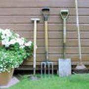 Инструмент для садовых и строительных работ фото