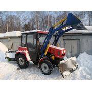 Коммунальный снегоуборочный трактор Беларус 320 фото