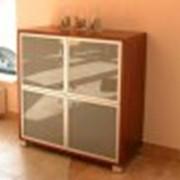 Тумба со стеклянными дверцами фото