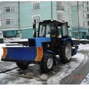 Уборка и вывоз снега с территории Заказчика фото