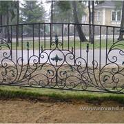 Изготовление кованных ворот, решеток, заборов фото