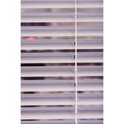Горизонтальные алюминиевые жалюзи фото