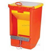 Кормушка бункерная односекционная с крышкой и держателем для учетной карточки для кроликов фото