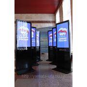 Рекламно информационные видео стойки фото