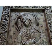 Икона резная Божьей Матери Остробрамская фото
