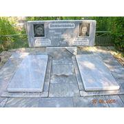 Памятник из мрамора на два портрета