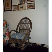 Уличная мебель из неокоренной ивы и орешника фото