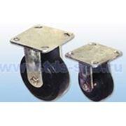 Неповоротные, платформенное крепление: Колеса для тележек литая черная резина фото