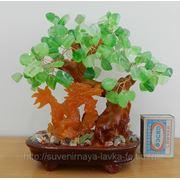 Денежное дерево с драконом из натурального камня. фото