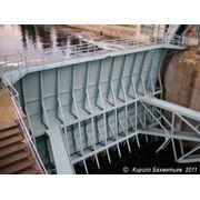Гидротехнические сооружения - шлюзовые ворота фото