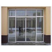 Двери раздвижные из алюминиевого профиля фото
