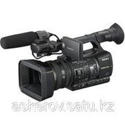 Профессиональные видеокамеры Sony HXR-NX5E фото