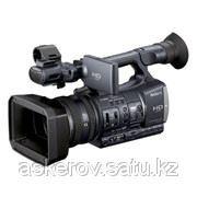 Профессиональные видеокамеры Sony HDR-AX2000E фото