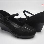 Замена подкладочных деталей обуви. фото