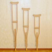 Костыли подмышечные деревянные с мягкими ручками фото
