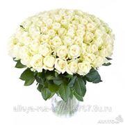 Доставка роз в любое удобное место. Цена указана для 51 розы фото